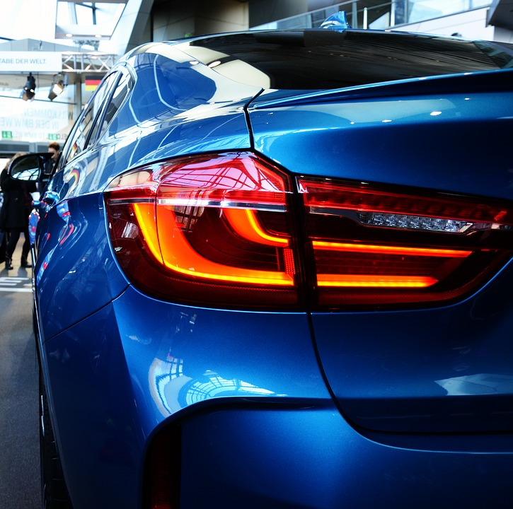 Renowacja lakieru sposobem na odświeżenia auta