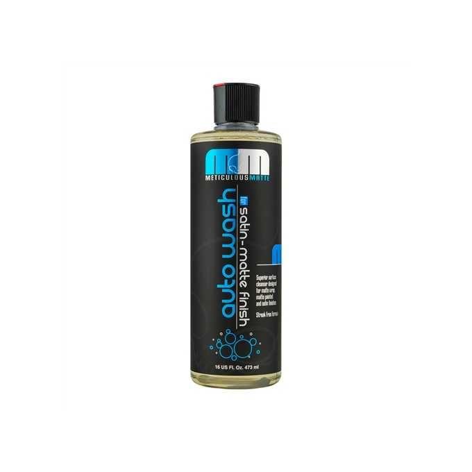 Czy warto kupić szampon samochodowy z woskiem?