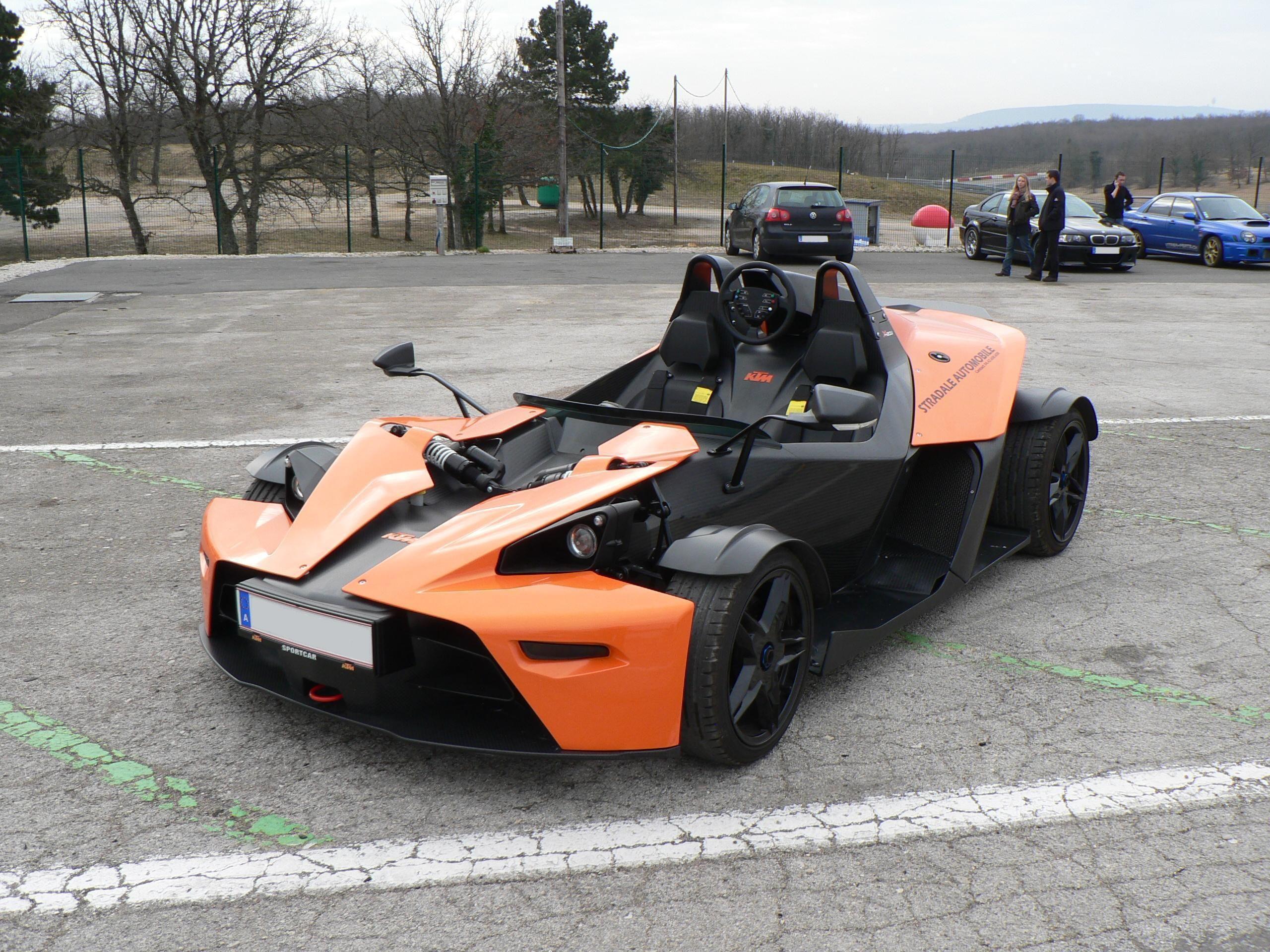 KTM X bow jazda na torze